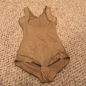 Maiden form size XL spanx suit body shaper